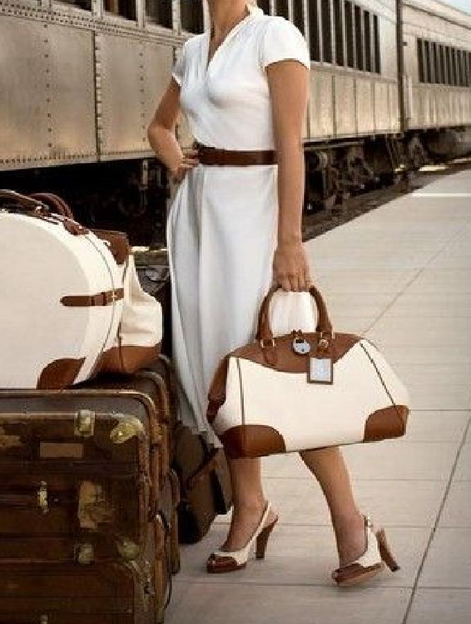 So packen Sie Ihren Anzug in sechs Sekunden in den Koffer - faltenfrei!