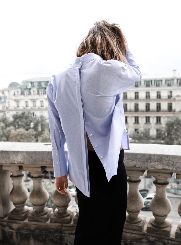 Personnalisation décontractée de la chemise bleue