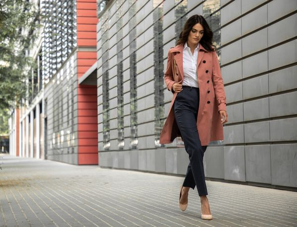 How to wear a Women Trench Coat
