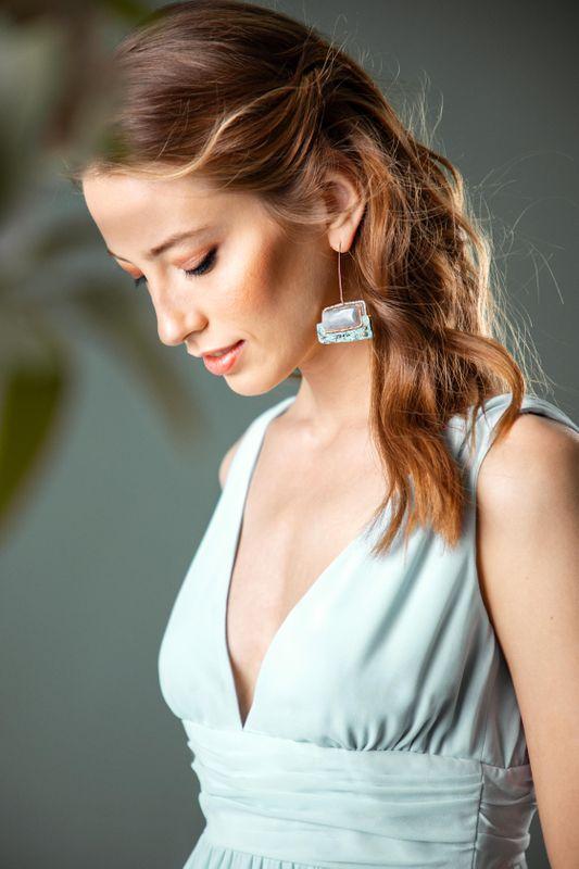 Finde den richtigen Ausschnitt für dein Abendkleid